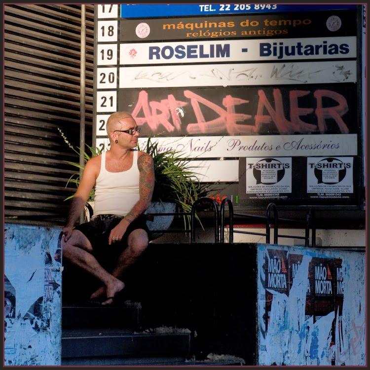 art dealer bold man with tatto бритый мужчина статуировкой торговец исскуством автор Игорь Демидов