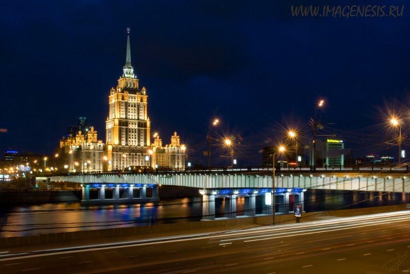 bridge and high building at night мост и высотка ночью автор Демидов Игорь