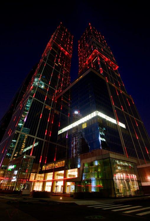 чёрные бащни красные огни Москва город бизнес центр сити автор Демидов Игорь Moscow city black towers red lights