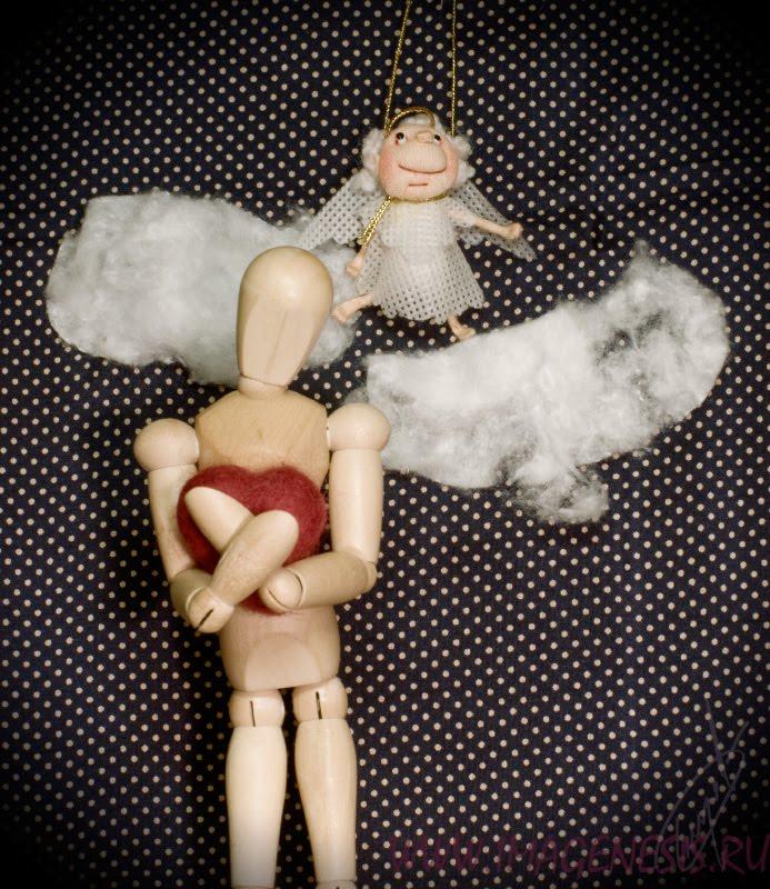 wooden manequin woman heart cloud angel ангел манекен деревянный сердце ангел облако