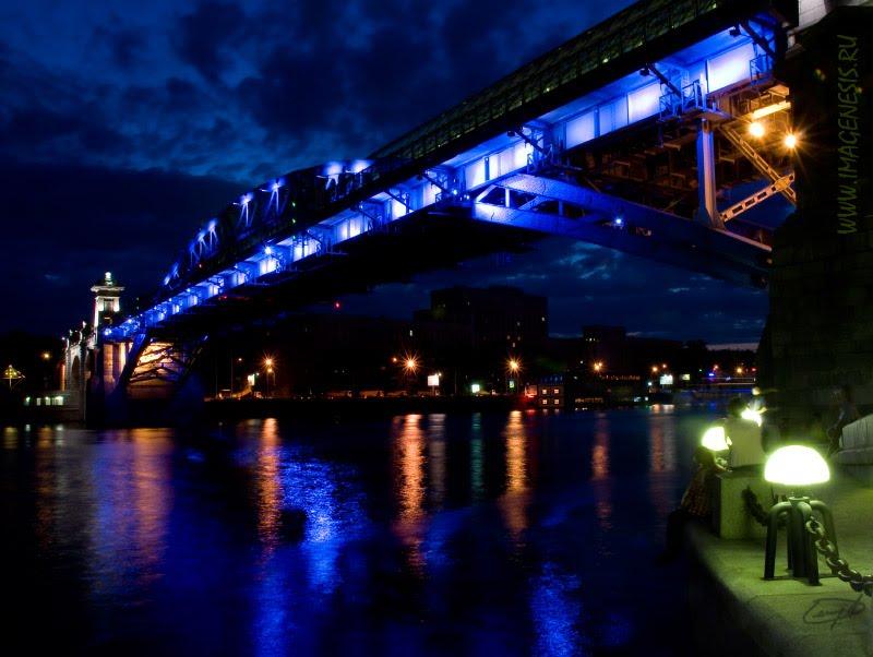 Andreyevsky pedestrian bridge night view ночной вид на Андреевский пешеходный мост автор Демидов Игорь