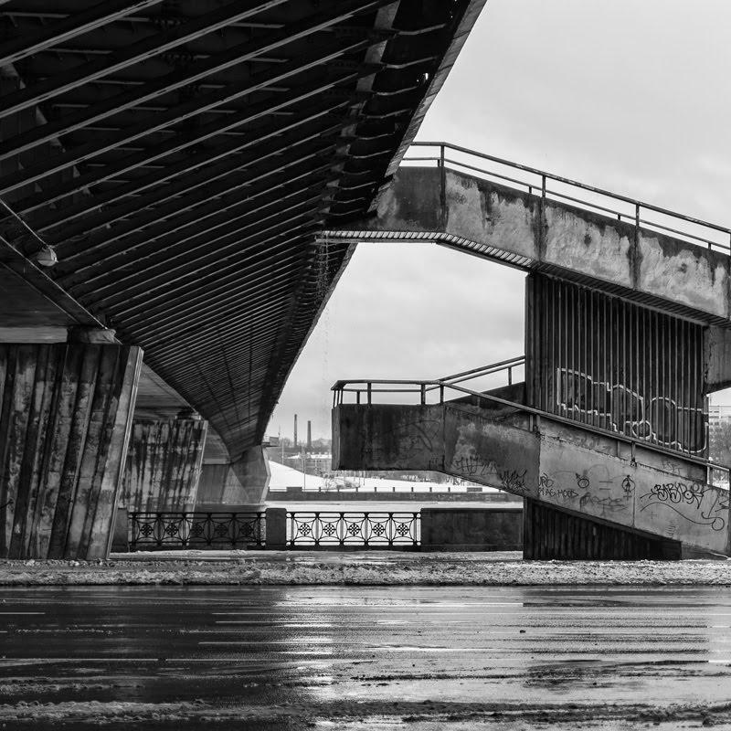 Under Vansu tilts urban geometric photo урбанизм мост вантовый Рига автор Демидов Игорь