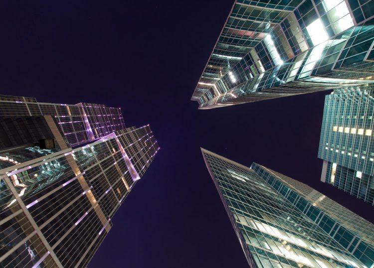 splinters of glass night sky-scrapper building urban nightscape ночной пейзаж осколки стекла Москва небоскрёб небо ночь автор Демидов Игорь