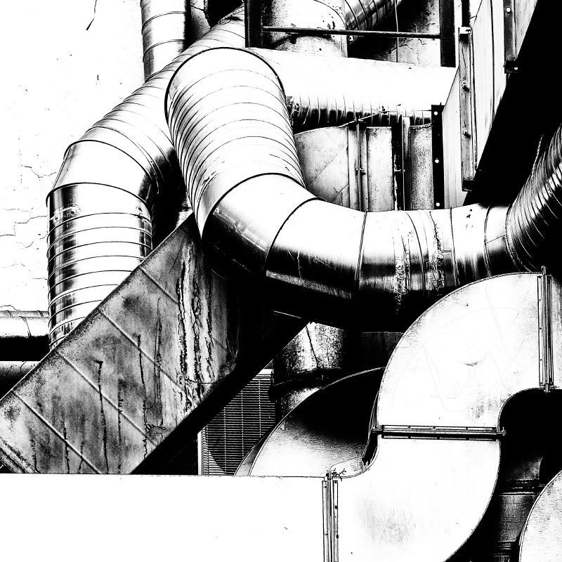 железные трубы воздуховодов металличесский натюрморт metal composition steel pipes автор Демидов Игорь