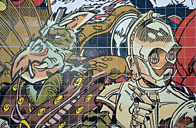 C-3PO green alien double portrait star wars звёздные войны робот инопланетянин зелёный зубы клюв клыки автор фото Демидов Игорь  граффити искусство улиц Португалия Лиссабон Portugal Lisbon street art graffiti