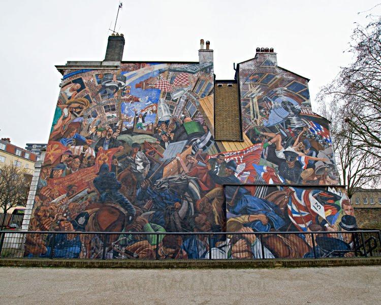 Битва на кабельной улице Лондон Ист энд стена дома фреска граффити уличное иискусство автор фотографии Демидов Игорь London East End Battle of Cable Street graffiti fresco