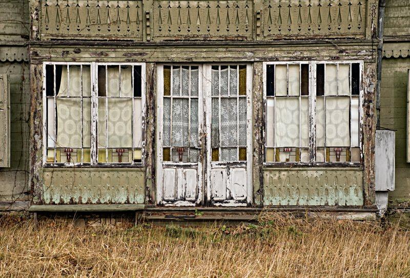 Старый деревянный дом в Юрмале летняя веранда автор Демидов Игорь old wooden house in jurmala