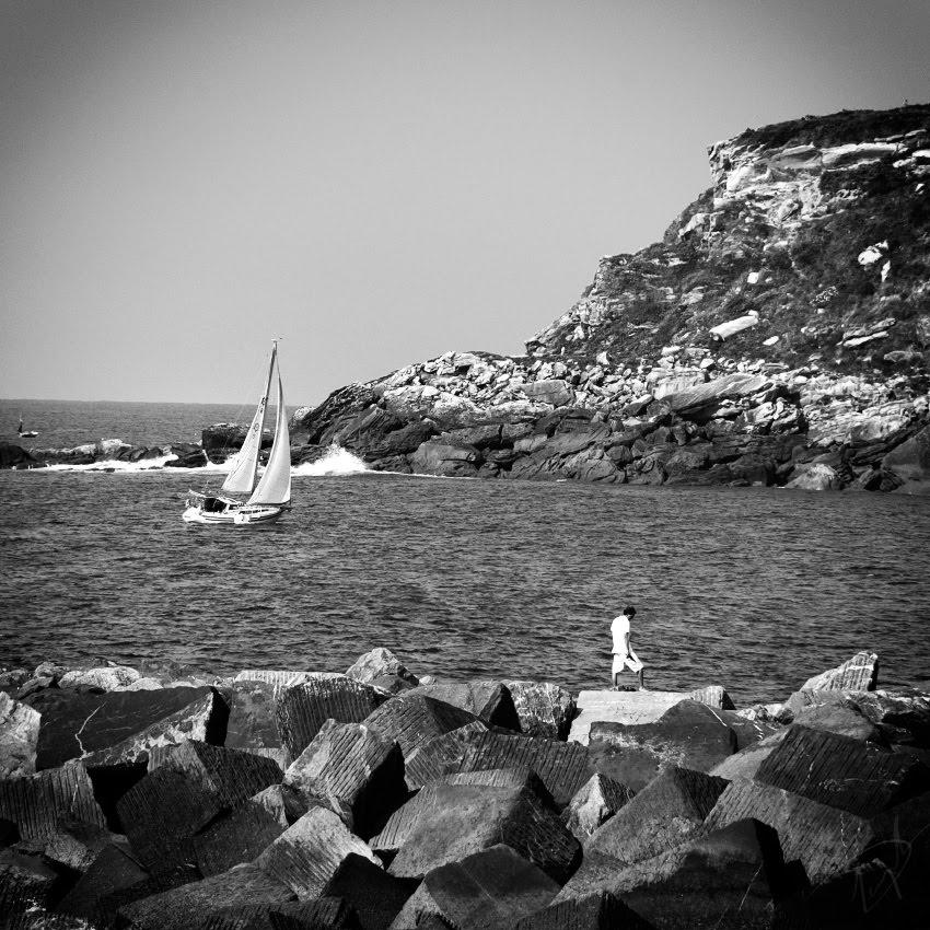 Парус скалы океан волны камни автор Демидов Игорь sail rocks ocean waves