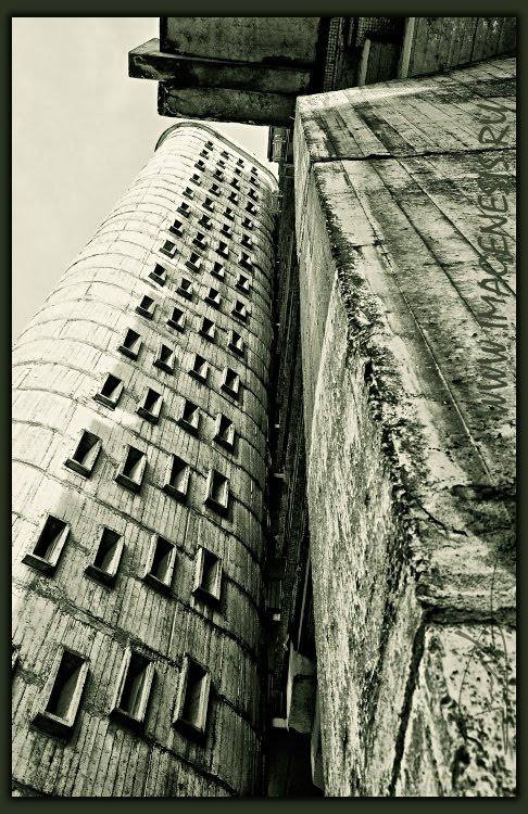 дом бетон окошки места для существования concrete Демидов Игорь exist