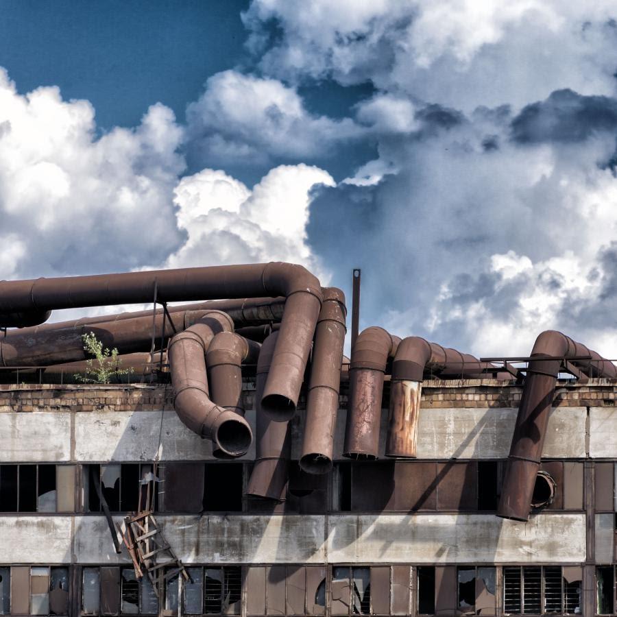 авария на фабрике облаков трубы стены автор фото Демидов Игорь