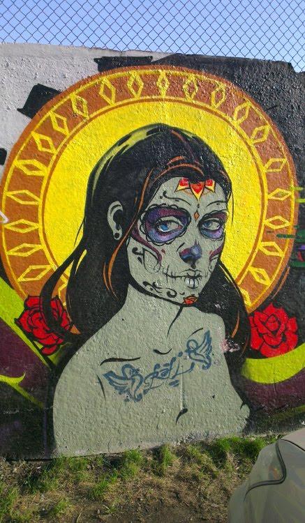 undead with nimbus graffiti street art уличное искусство граффити немертвая с нимбом в маске смерти