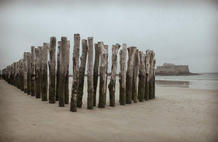 beach sand wooden breakwater пляж песок деревянный волнорез автор Демидов Игорь
