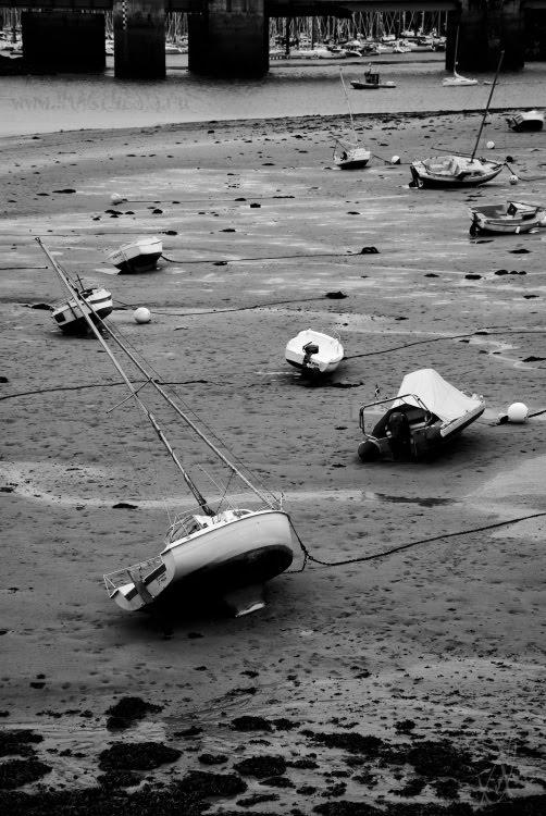 boats laying on the sea bottom лодки лежащие на дне моря автор Демидов Игорь