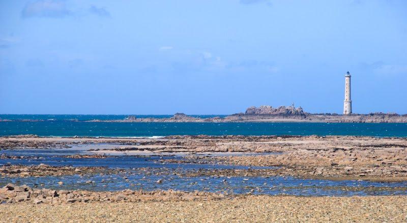 beacon sea bottom low tide отлив маяк дно моря автор Демидов Игорь