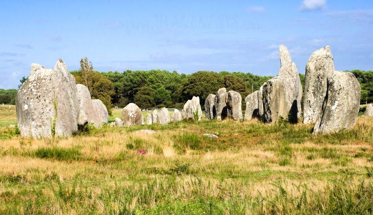 half ring of stone menhirs полукруг камне менгиров автор Демидов Игорь