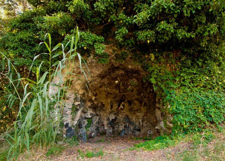 лесное святилеще в парке Бейгуа над Аренцано автор Демидов Игорь forest sanctuary Beigua Arenzano