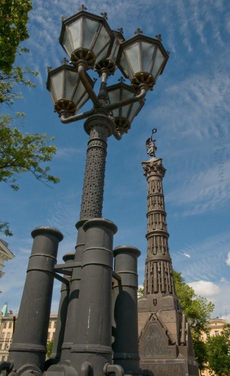 gun barrels obelisk щбелиск из стволов пушек автор Демидов Игорь