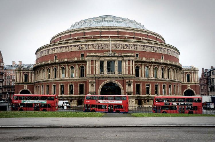 Великая Супница Альберт холл автобусы красные Лондонские автор Демидов Игорь tureen Albert hall red London bus