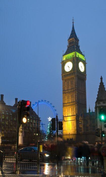 Биг Бен Лондон Ай ночь рождество ёлка люди машины светофор автор Демидов Игорь Big Ben London Eye Christmas tree traffic lights new year