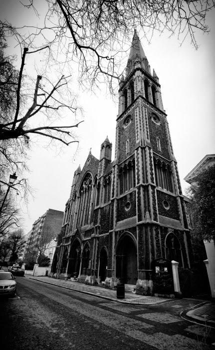 Храм святого Матфея Лондон готика ветки небо автор демидов Игорь Saint Matthews Church Saint Petersburgh Place Bayswater London Gothic tree branches