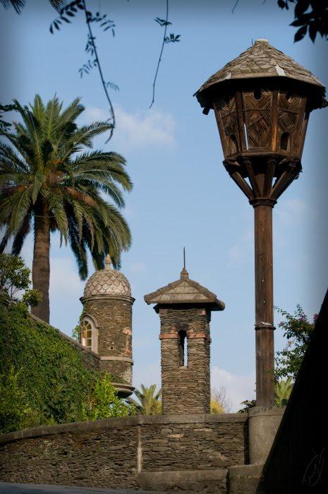 Аренцано скворечник стена башня ботанический сад автор демидов Игорь Arenzano botanical garden starling house