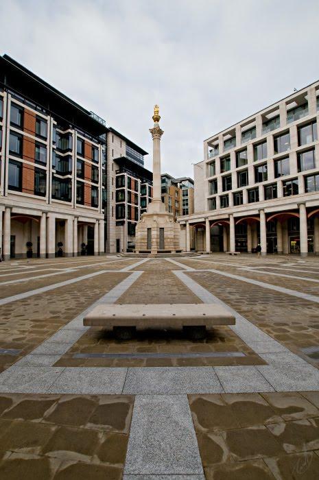 London Paternoster Square pillar triangle bench дондон патерностер сквер треугольник стрелка колонна автор Демидов Игорь