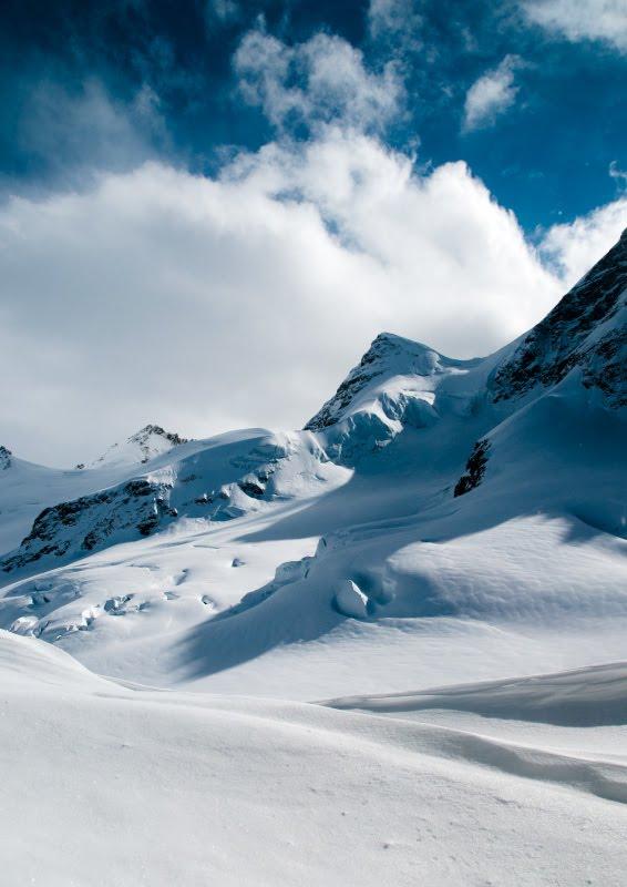 Snowy peaks of kleine scheidegg snow ans ice mountains снежные вершины ледник Кляйне Шайдег автор Демидов Игорь