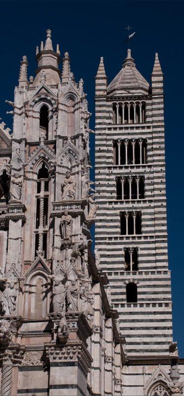 Белая башня и колокольня собор Сиены автор Демидов Игорь white tower and bell tower of Siena duomo