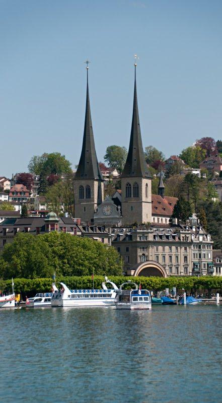 Хофкирхе  Люцерн двойные шпили церковь река автор Демидов Игорь Hofkirche church in Luzern doble spear
