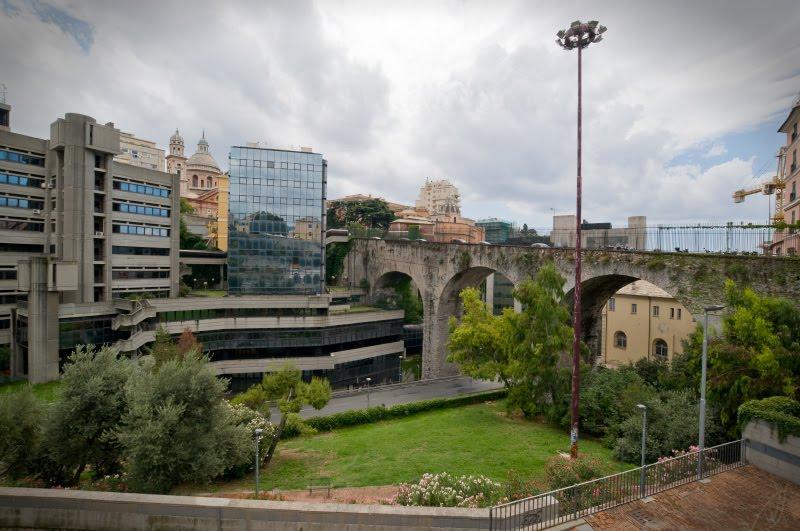 Genova viaduct church office building офисное здание виадук и церковь в Генуе автор Демидов Игорь