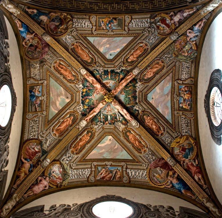 saint Giovanni duomo church Parma roof interior внутеннее пространство церкви святого Иоана в Парме потолок роспись автор фото Демидов Игорь