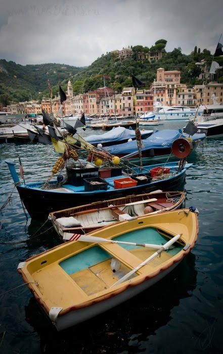 цветные лодочки рыбаков Портофино атор Демидов Игорь colored fisherman boats in Portofino