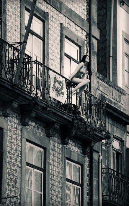 naked young woman on the balcony обнажённая сидит на балконе автор Демидов Игорь