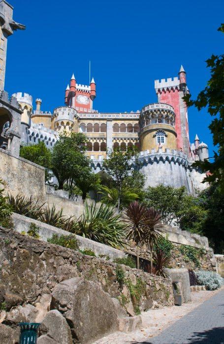 стены лестницы замок дворец Пена в Синтре в Португалии автор Демидов Игорь Palacio de Pena Sintra Portugal walls towers