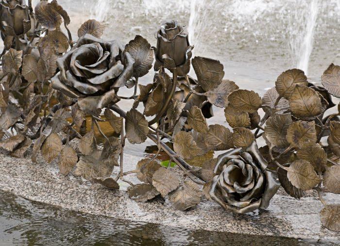 roses fountain фонтан розы в Стрельне