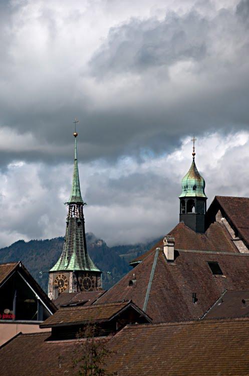 Суровые тучи над крышами и куполами Золотурна автор Демидов Игорь stormy clouds over roofs and cupolas of Solothurn
